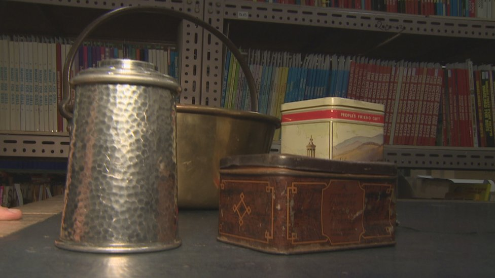 A pewter tea caddy was one of the prizes given out by the People's Friend during WW2