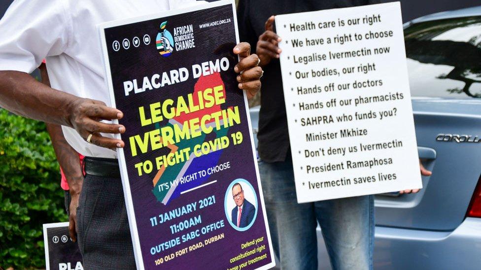 Manifestación en Sudáfrica a favor de la ivermectina contra la covid, 2021