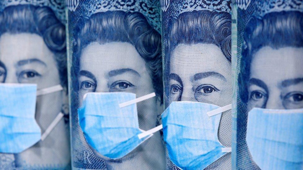 Доходы британской короны тают из-за пандемии. Хватит ли денег королеве?