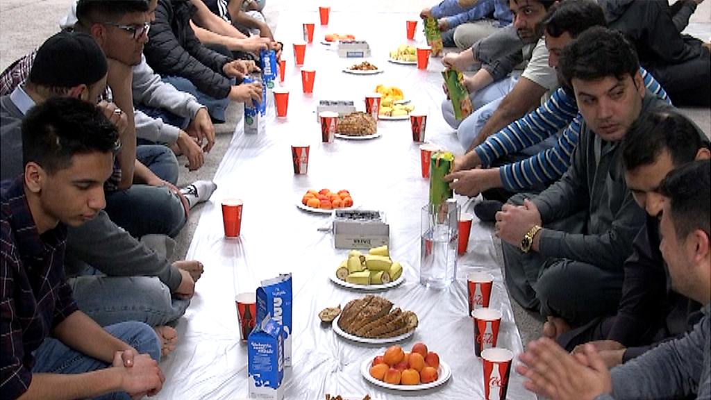The Muslims who fast for 22 hours a day in Iceland