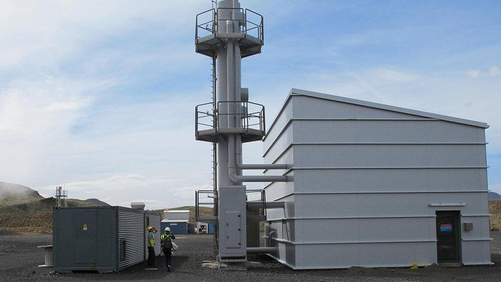 """La estación de separación de gases, o """"la máquina de soda"""", usada en CarbFix"""