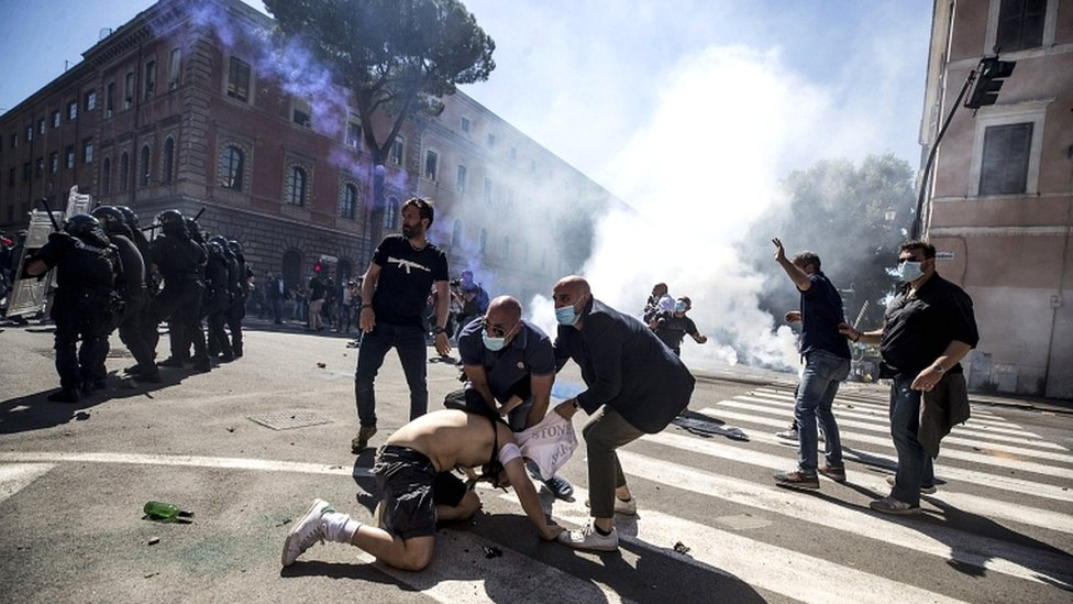 Neo-fascist groups, extremists and ultras from Italy's football clubs clash with police as they demonstrate over the government's handling of the coronavirus emergency, on 6 June 2020 at Circus Maximus (Circo Massimo) in Rome, Italy