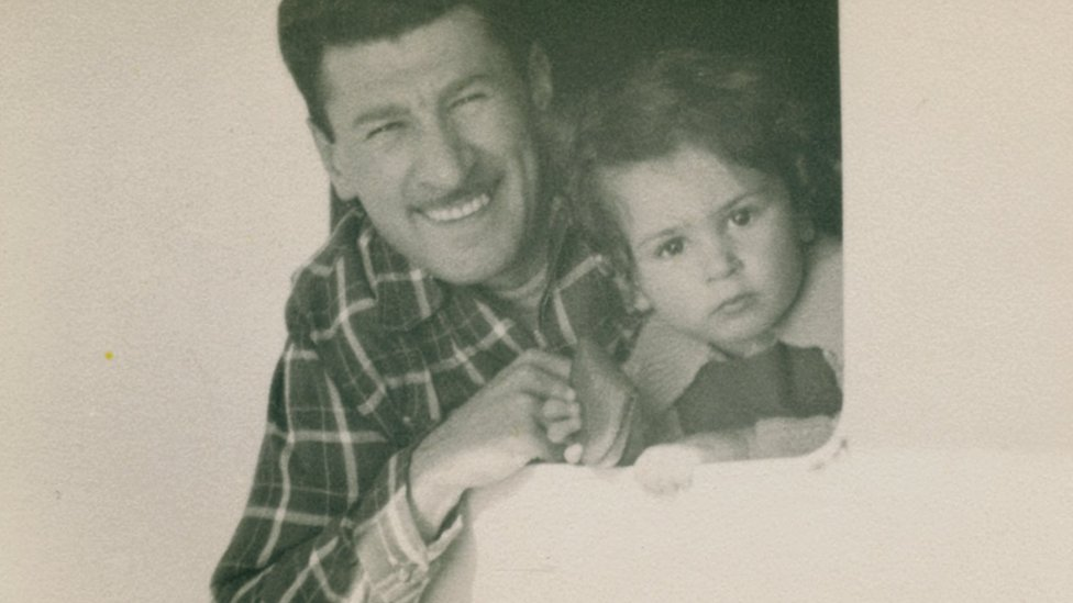 Eddie Jaku y su hijo pequeño