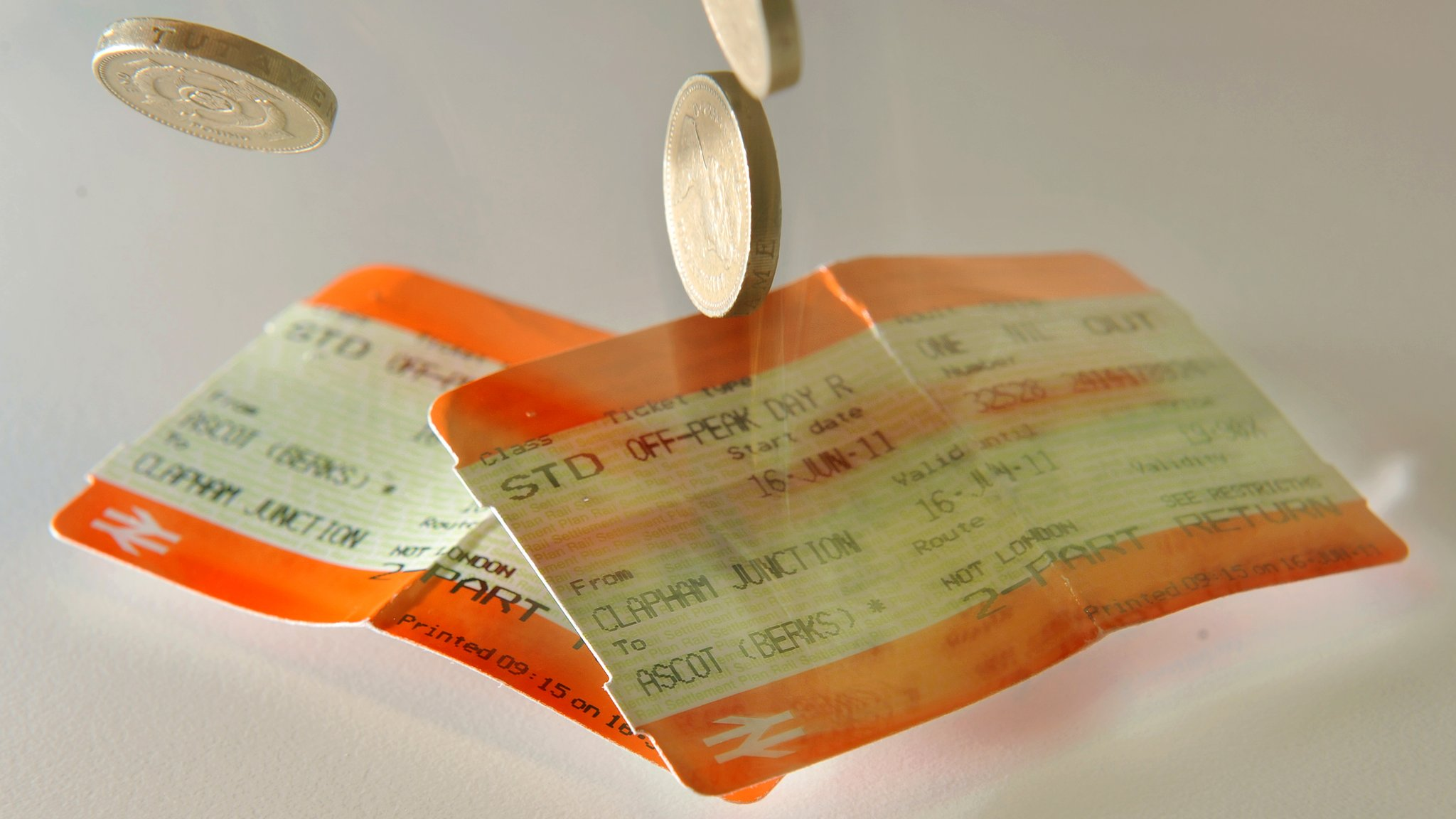 Rail firms 'consider' railcard for 26 to 30-year-olds