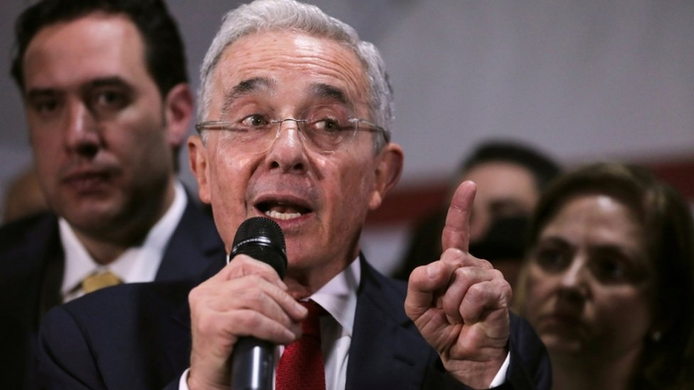 Álvaro Uribe (file photo)