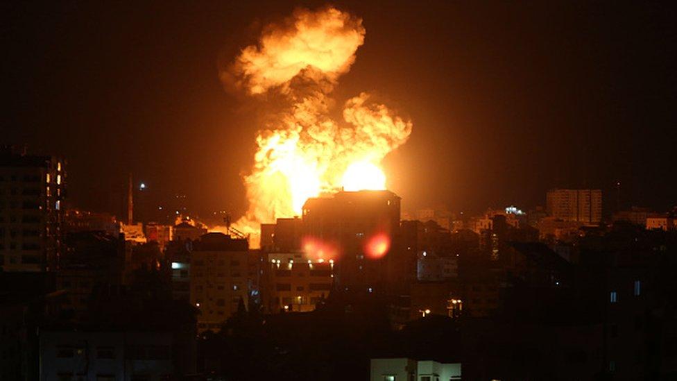 Israel-Gaza: Rockets pound Israel after militants killed - BBC News