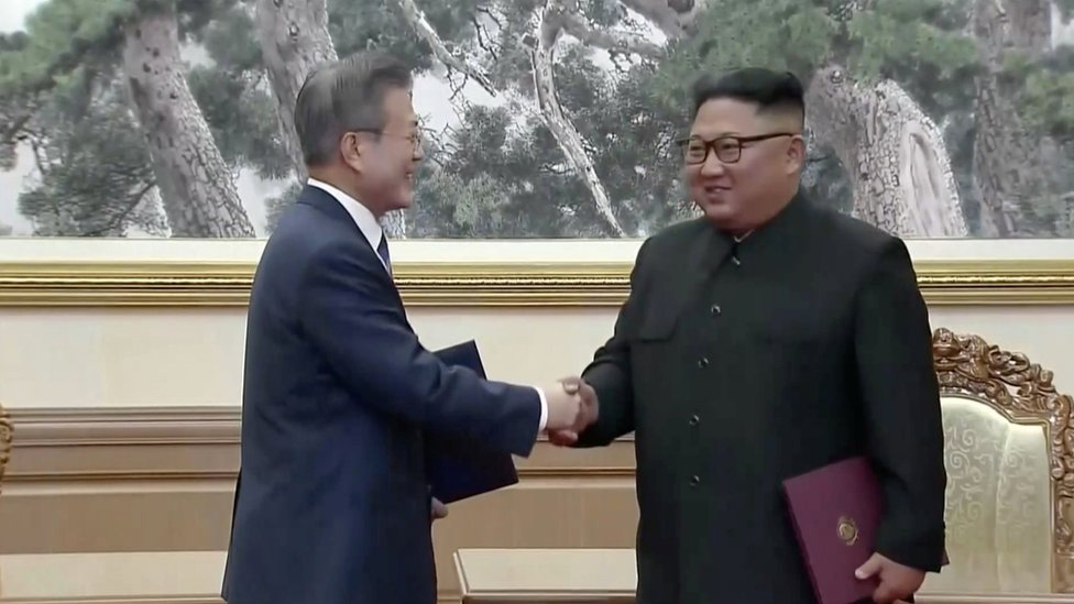 Kim and Moon hail 'new era' for N and S Korea