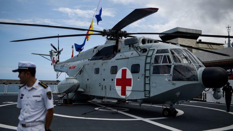 El Daishan Dao dispone de un helicóptero ambulancia para el traslado de los enfermos.