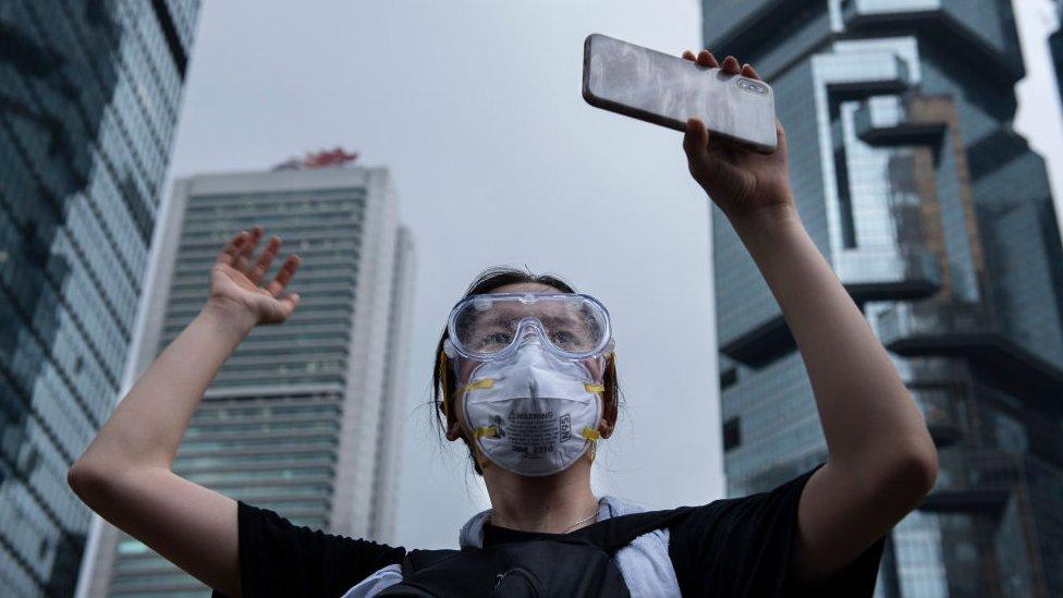 社交網站和即時通訊軟件在香港示威浪潮中,扮演了重要角色。