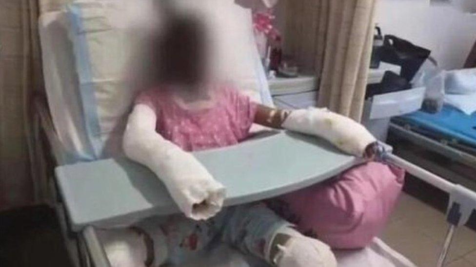 Esta imagen, que supuestamente muestra a la víctima de 12 años, ha circulado ampliamente en Weibo.