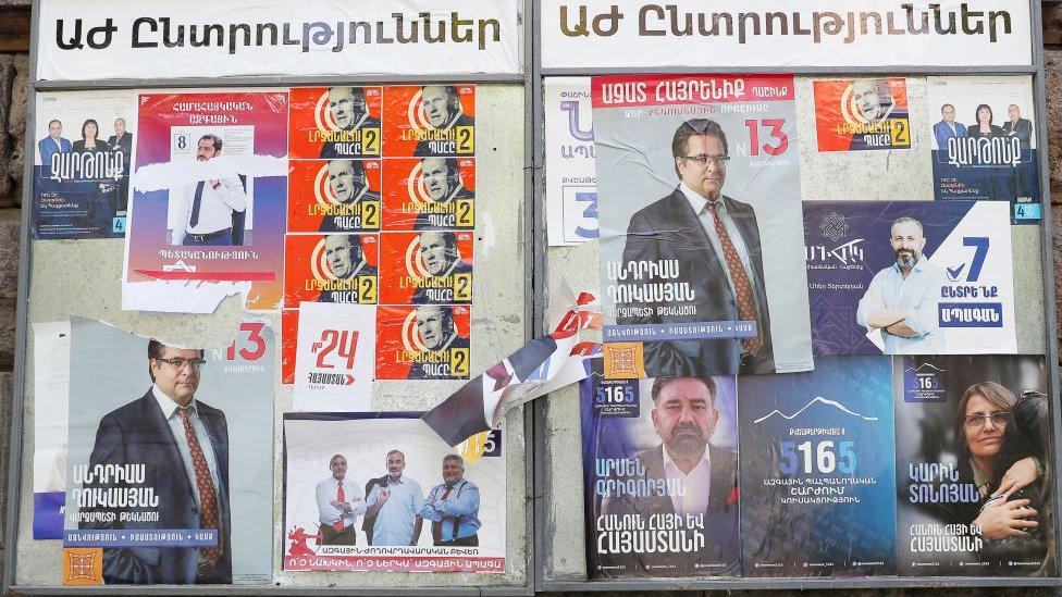 В Армении начались выборы. Участвуют Пашинян и все бывшие президенты