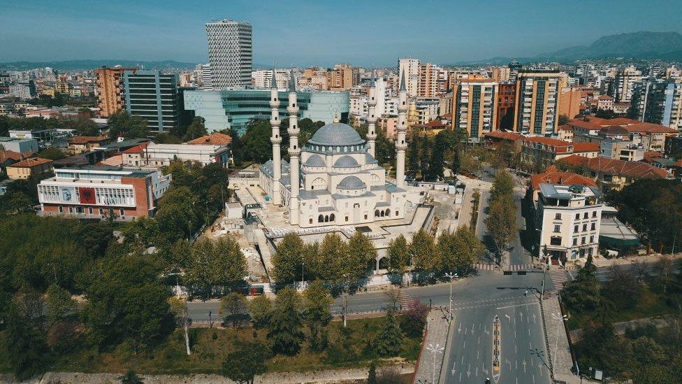 Prazna Tirana