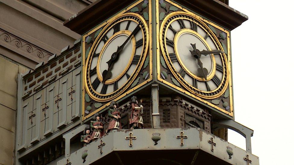 Born /& Bred in Edinburgh Record Style Clock