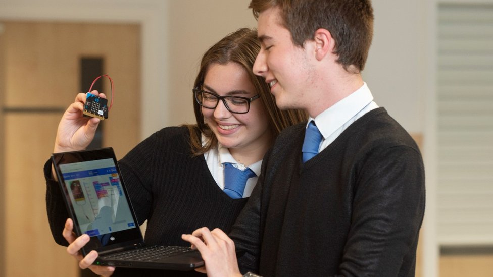 Drive launched to train 100,000 Scots in data skills