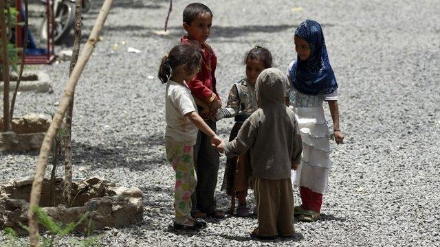 Displaced children in Yemen