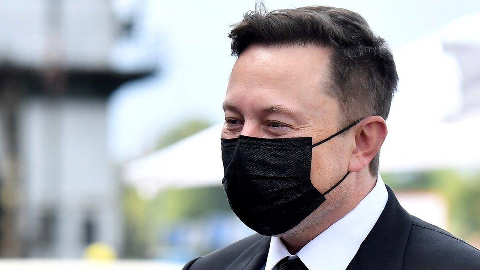 Coronavirus: Elon Musk 'likely has moderate case' thumbnail