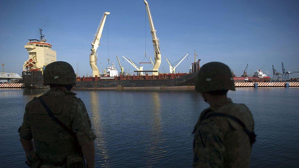 Marinos mexicanos en el puerto de Veracruz