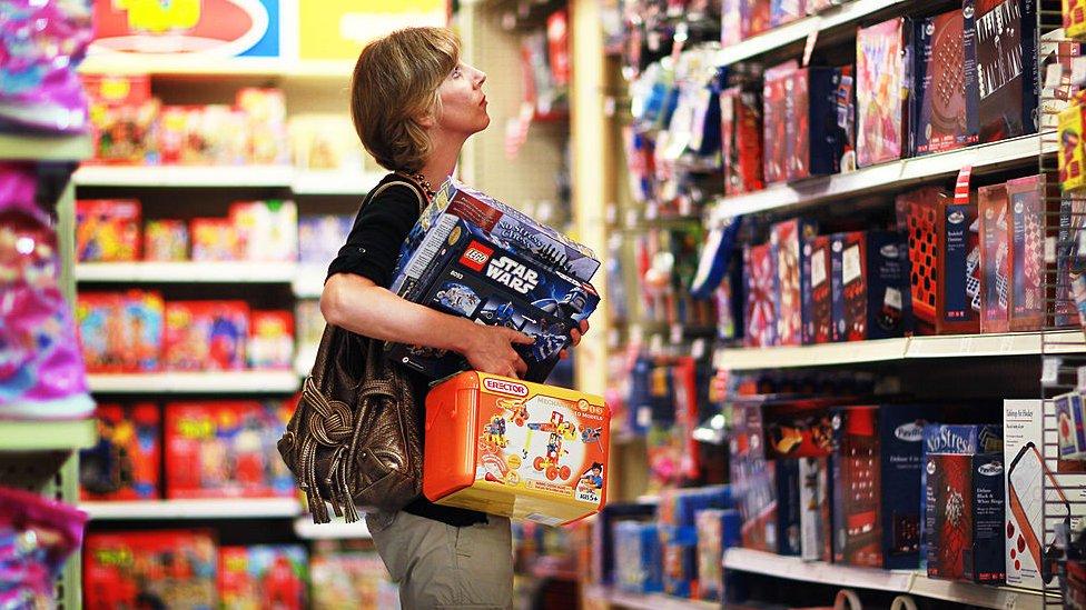 Mujer en el supermercado