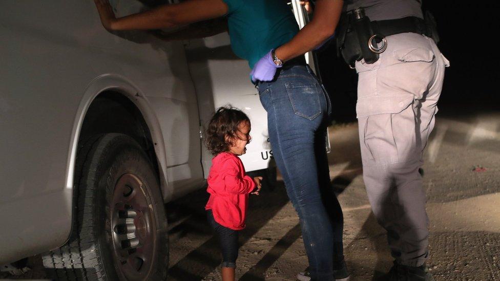 Trump ordena la reagrupación de las familias mientras Melania visita la frontera