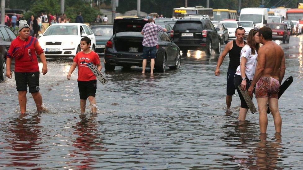 #НеПроґавте: потопи в Києві та озеро на Марсі
