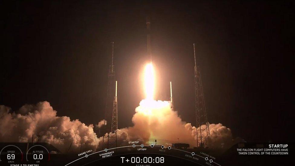 SpaceX puts up 60 internet satellites