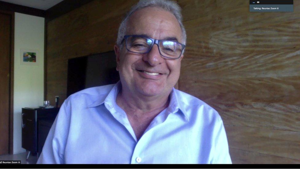 Profesor Jorge Kalil en su casa en Sao Paulo, Brasil.