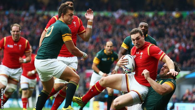 George North held up by Bismarck du Plessis