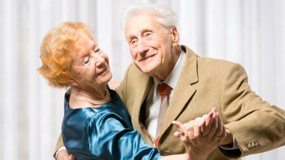 Старение в удовольствие, жирафы и молнии - фатальная несовместимость