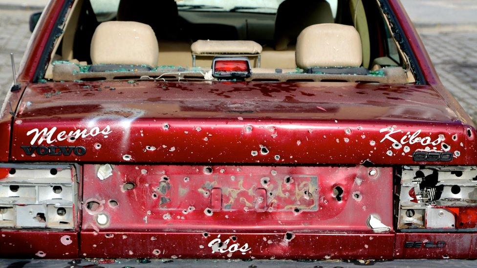 Car hit by shrapnel in Kilis
