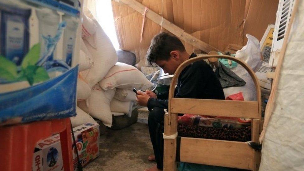 Niño yazidi