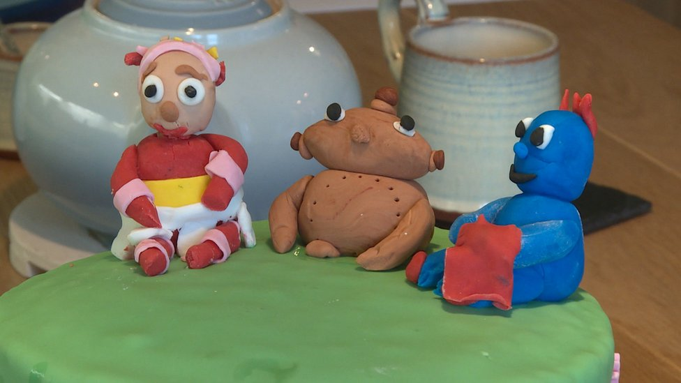 The bakers helping children with free birthday cakes