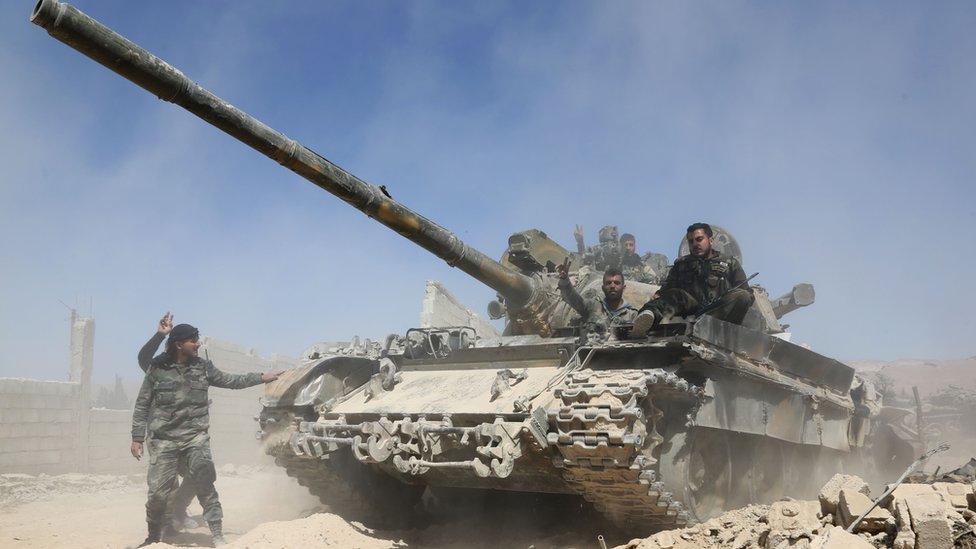 Sirijski tenk napreduje ka Dumi, 7. marta 2018.