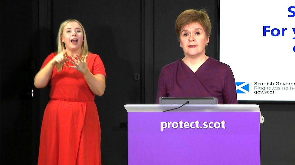 """Nicola Sturgeon said there were """"no excuses"""" for lack of welfare from universities"""