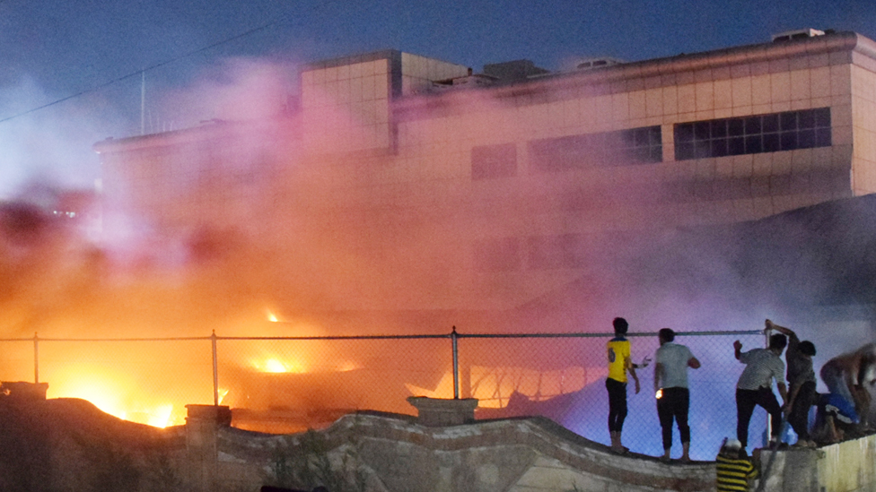Korona virus i požar u Iraku: Protesti zbog požara u kovid bolnici u kom je stradalo najmanje 90 ljudi