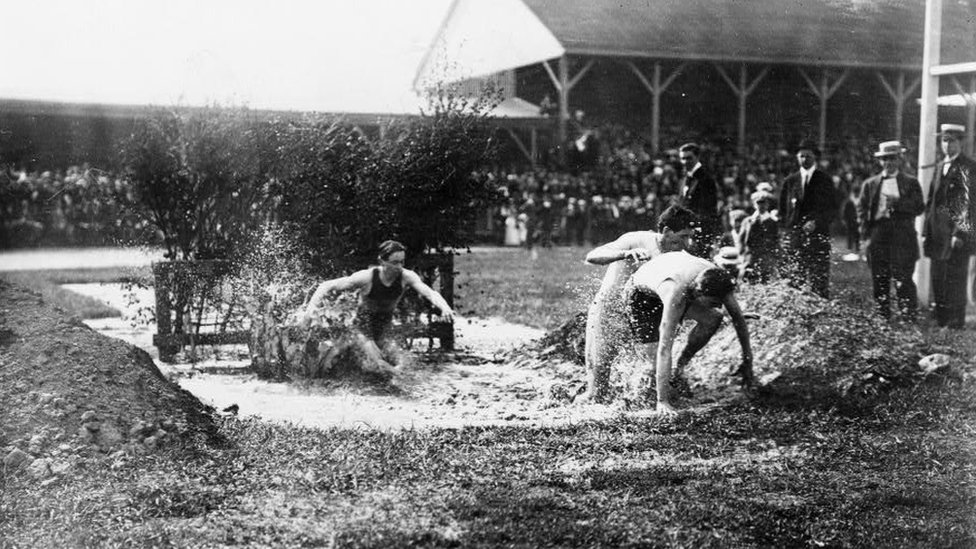 Image from 1912 showing a race in Celtic Park