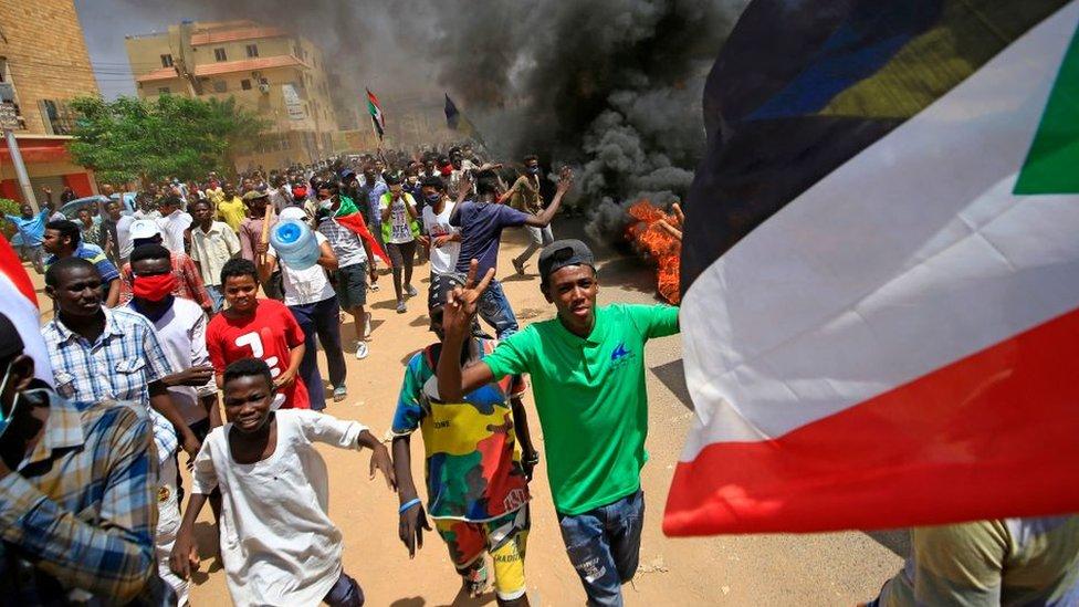 الشباب الذين شاركوا في الثورة في السودان لا زالوا ينتظرون تحقيق أحلامهم