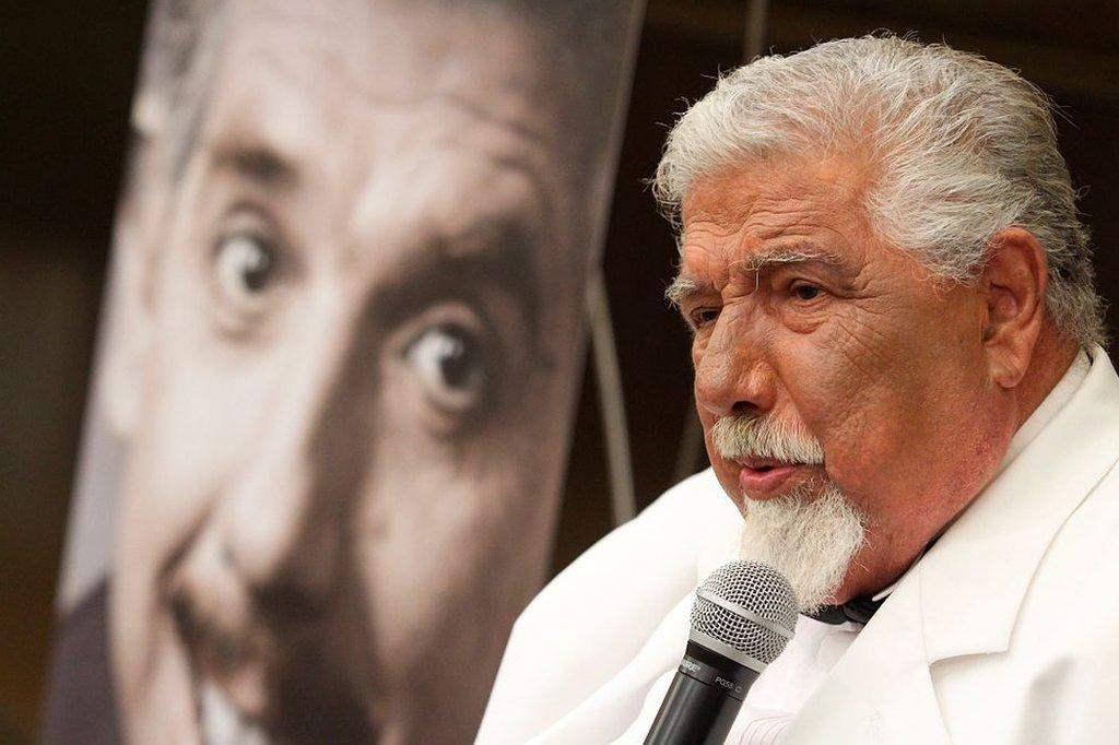 Rubén Aguirre al presentar su libro