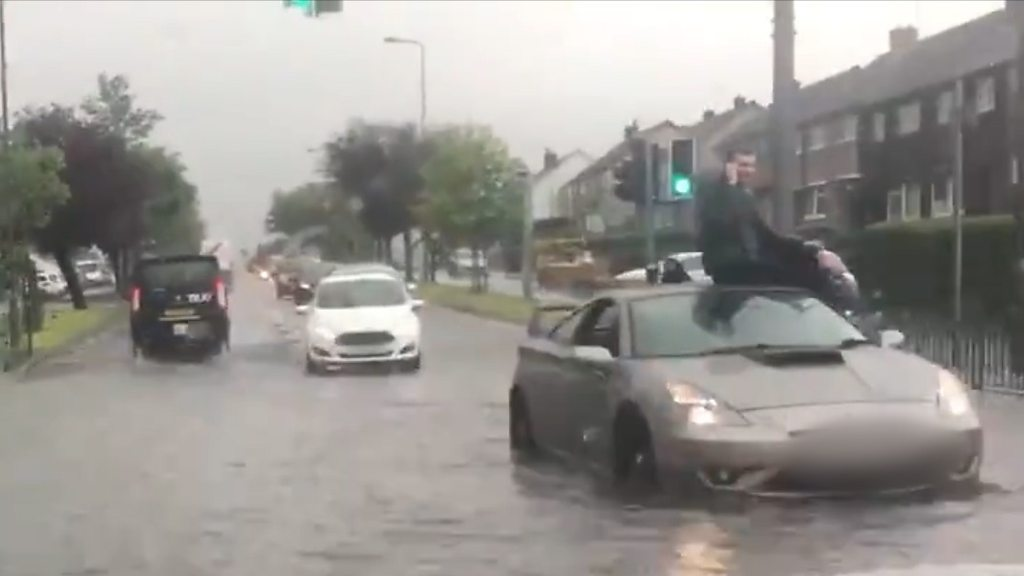 Edinburgh flooding: Rising water causes chaos
