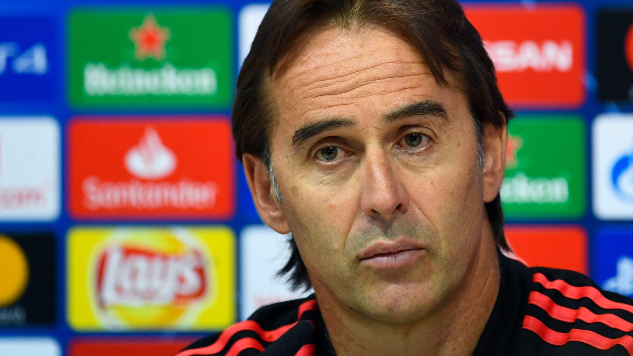 Real Madrid boss Lopetegui vows to 'fight' on