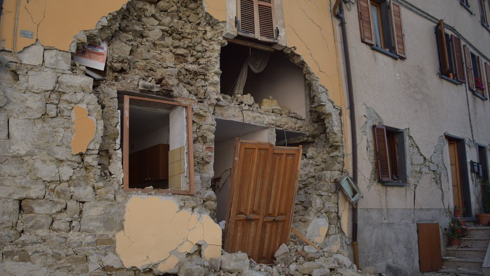 Ruined buildings in Arquata del Tronto, Italy, 27 September 2016