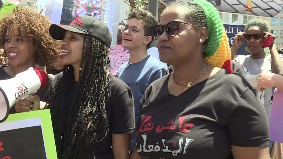 العاملات المنزليات تظاهرن احتجاجا على نظام الكفالة