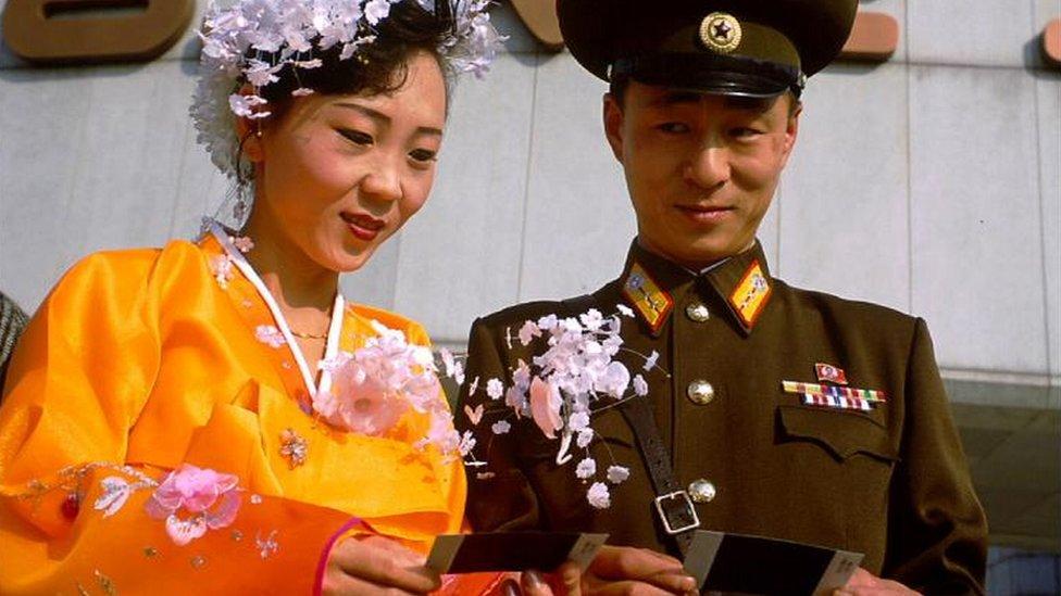 Una pareja norcoreana