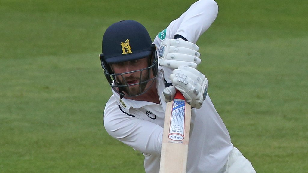 Matt Lamb: Warwickshire batsman signs new two-year deal with Bears
