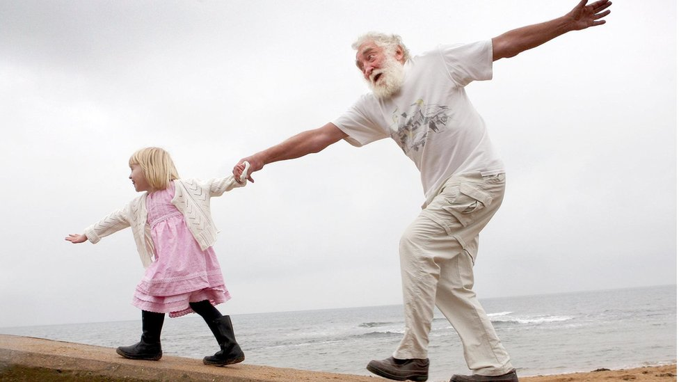 David Bellamy takes a walk with his granddaughter Tilly, 4, in 2007