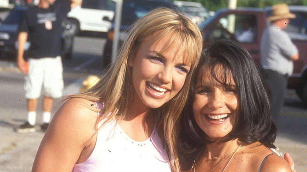 Britney Spears y su madre en 1999