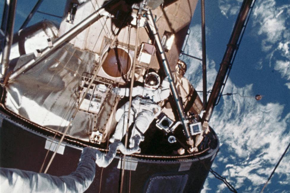 Una de las cuatro caminatas espaciales del Skylab 4.