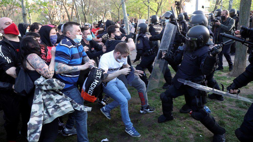 صدامات مع الشرطة