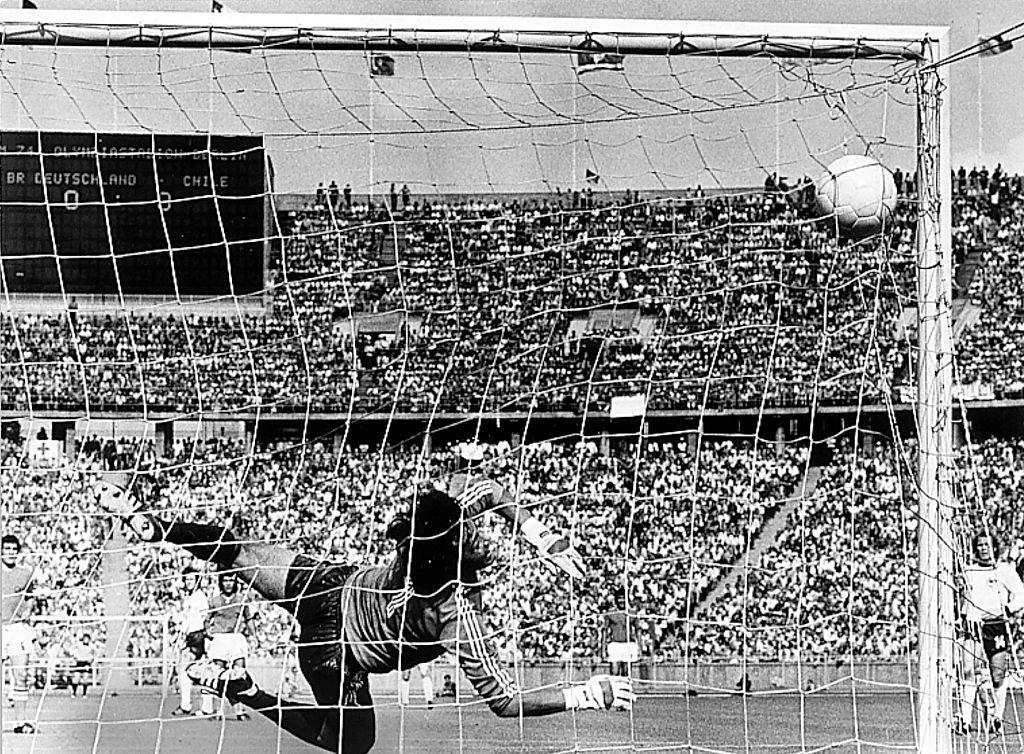 Chile perdió contra los anfitriones en su primer partido en 1974 contra Alemania.