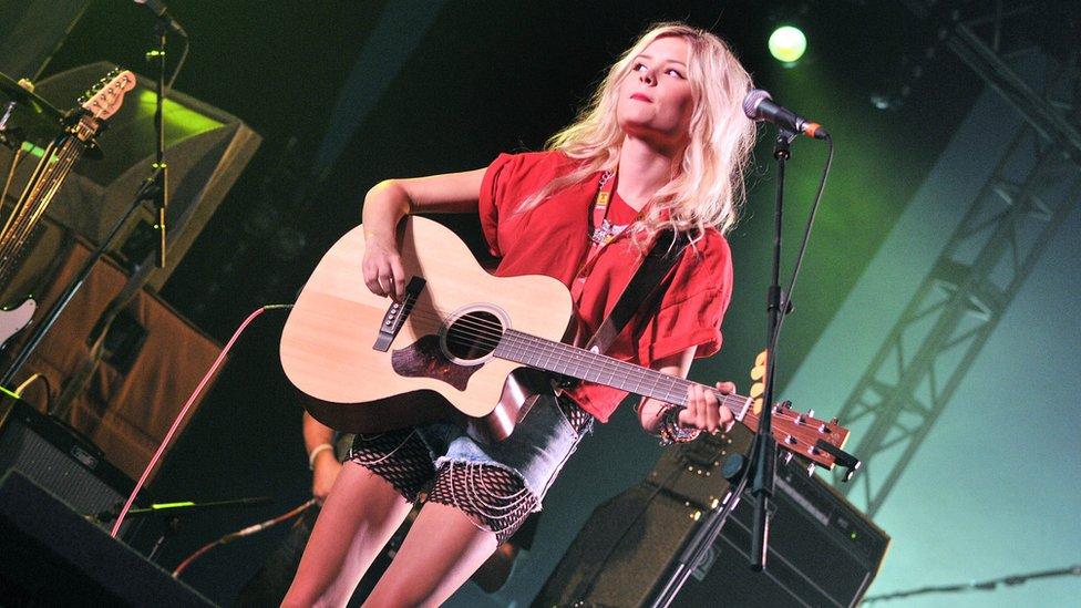 Nina Nesbitt in 2013