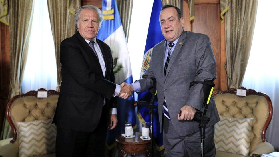 Luis Almagro y Alejandro Giammattei.